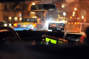 Таксиметровият шофьор