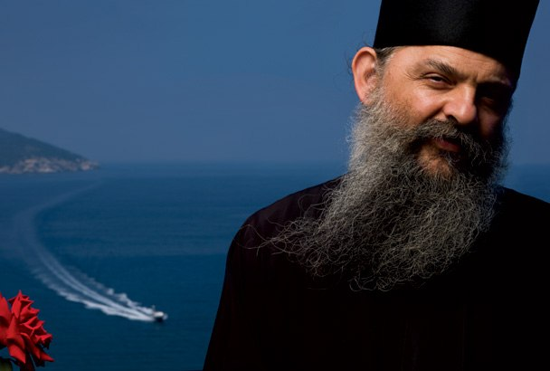монах пред море