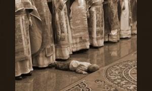 детето-спи-в-храма2